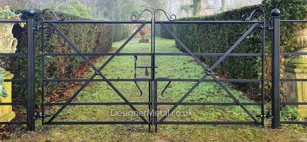Double metal gate cross braced 7ft wide